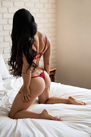 Severyne escort girl in Opelika
