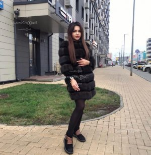 Fleuriane escort girl