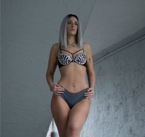Genia escort girls