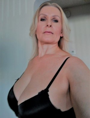 Marie-christiane escort in Enumclaw WA